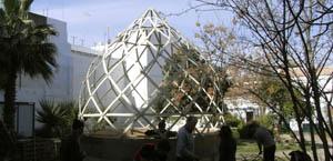 invernadero geodesico materiales reciclados