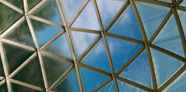 Autoconstrucción cúpulas gedesicas materiales reciclados