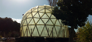 Selfconstructed geodesic dome